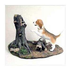 Beagle on the Hunt Statue: Home & Kitchen