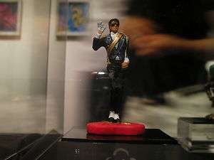 JACKSON Crafted mini statue   Smiled and Waved Michael. + case