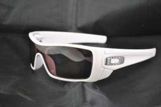 New Oakley Batwolf POLARIZED Sunglasses Polished White Frame Black