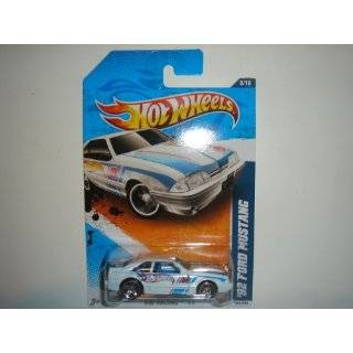Hot Wheels 2010 HW Performance 92 Ford Mustang BLUE #105