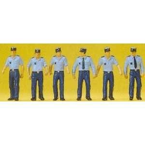 POLICEMEN   PREISER HO SCALE MODEL TRAIN FIGURES 10341 Toys & Games