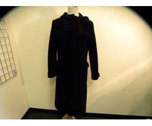 KENNETH COLE black quilted velour long coat.Long sleeves with attached