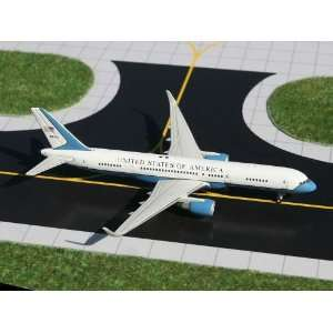 Gemini Air Force 2 757 200W 1/400: Toys & Games