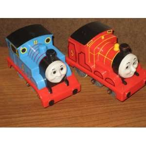 THOMAS THE TRAIN ENGINES    SET OF 2