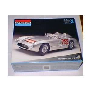 Monogram Mercedes 300 SLR 722 Moss 1/24th Model Kit: Toys