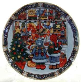 ROYAL NORFOLK   TOY SHOP X Stitch   CHRISTMAS PLATE