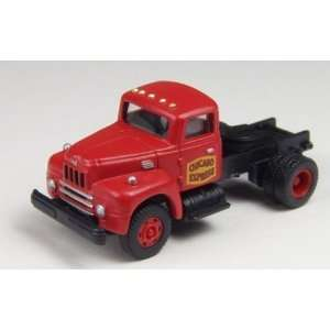 HO IH R 190 Tractor, Chicago Express Toys & Games