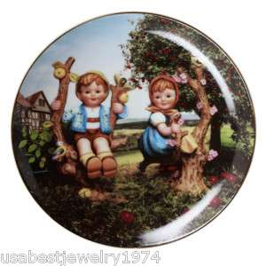 The M.I. Hummel Apple Tree Boy&Girl collection plate