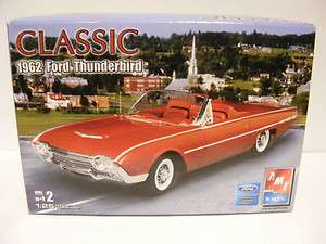 Ertl AMT car Model Kit CLASSIC 1962 FORD THUNDERBIRD,2005