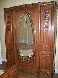 Très belle Chambre à coucher ancienne noyer lit + chevet + armoire