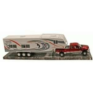 Die Cast Pick Up Truck with 5th Wheel Camper, 132 Toys & Games